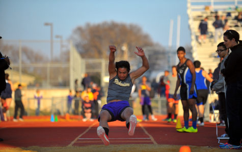 Track Athletes Advance to State