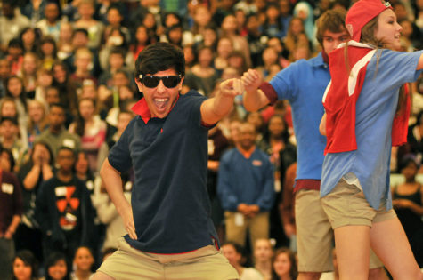 Jungle-Themed Pep Rally Pumps Up Students