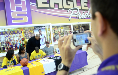 Varsity Basketball Player Signs With Paris Junior College
