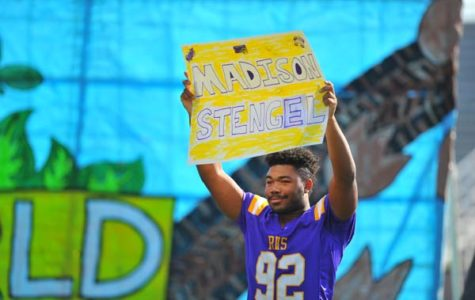 Students Rally for Pearce Rivalry Game