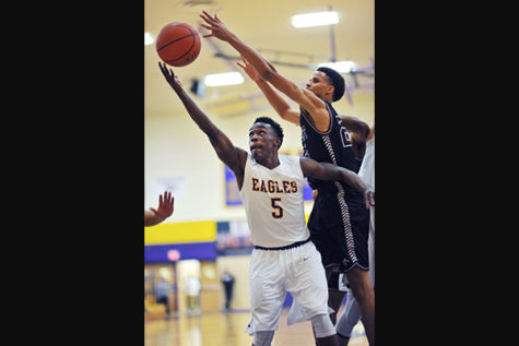 Boys Basketball Ends Season With Loss