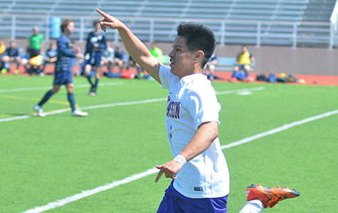 Boys Soccer Lose First Round of Playoffs