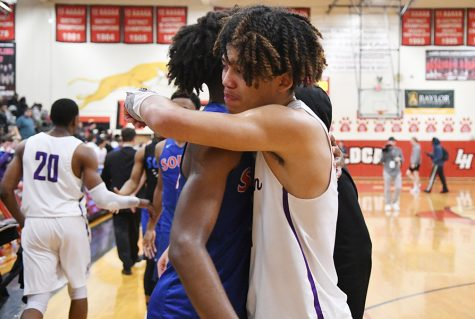 Boys Basketball Falls to South Garland in Round One